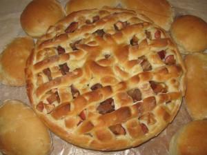 Дрожжевые пирожки и пирог с яблоками
