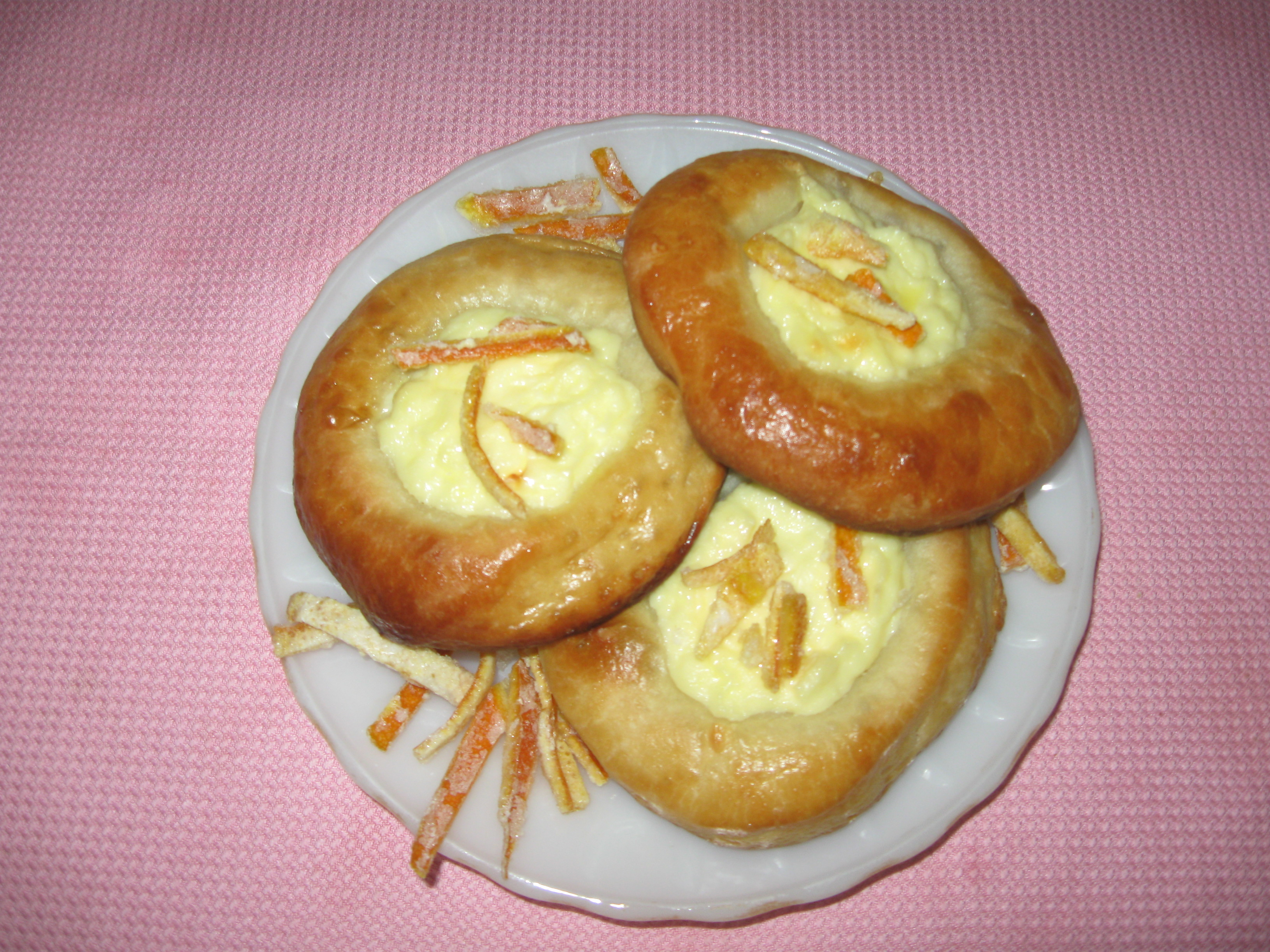 Рецепт шарлотки с яблоками тесто дрожжевое