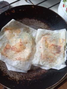 Очень простой рецепт филе курицы на сухой сковороде, не требует масла, не используется мука и яйцо. Великолепно для диетического питания!
